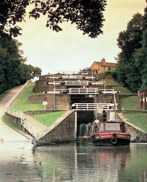 Bradford canal medium.jpg